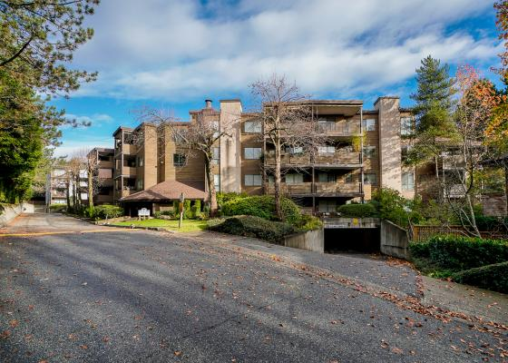 302 - 10680 151a Street, Guildford, North Surrey